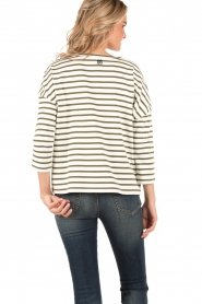Sweater Over The Top | white/green
