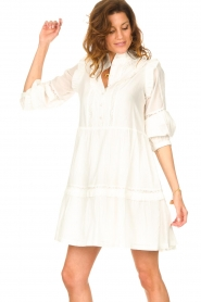 Notes Du Nord |  Broderie dress with ruffles Vivian | white  | Picture 4