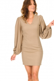 Notes Du Nord    Crêpe dress with puff sleeves Venus: beige    Picture 7