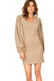 Notes Du Nord    Crêpe dress with puff sleeves Venus: beige    Picture 8