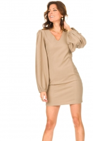 Notes Du Nord    Crêpe dress with puff sleeves Venus: beige    Picture 4