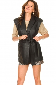 Notes Du Nord |  Lamb leather gilet with waistbelt Viva | black  | Picture 2