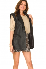 Notes Du Nord |  Lamb leather gilet with waistbelt Viva | black  | Picture 4