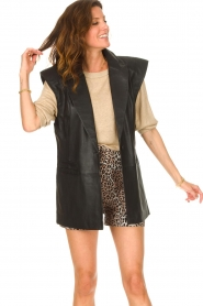 Notes Du Nord |  Lamb leather gilet with waistbelt Viva | black  | Picture 5