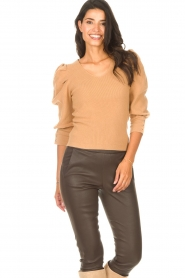Les Favorites |  Sweater with puff sleeves Lucy | camel  | Picture 4