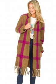 Les Favorites |  Checkered cardi-coat Aukje | camel  | Picture 5