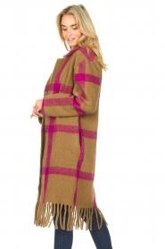 Les Favorites |  Checkered cardi-coat Aukje | camel  | Picture 6
