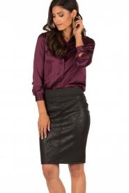 Style Butler | Zijden blouse Maryse | aubergine  | Afbeelding 2