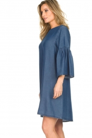Kocca |  Denim dress with trumpet sleeves Roman | blue  | Picture 6