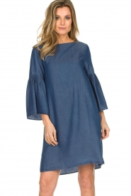 Kocca |  Denim dress with trumpet sleeves Roman | blue  | Picture 2