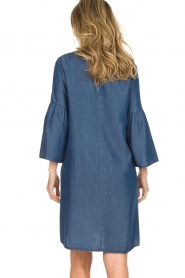 Kocca |  Denim dress with trumpet sleeves Roman | blue  | Picture 7