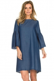 Kocca |  Denim dress with trumpet sleeves Roman | blue  | Picture 5