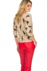Not Shy | Cashmere sweater Loes | beige  | Picture 6