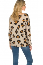 Not Shy | Cashmere sweater Leo | brown  | Picture 5
