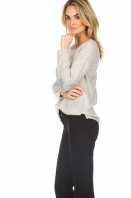 Not Shy | Cashmere sweater Marit | grey  | Picture 5
