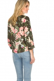 Essentiel Antwerp |  Floral top Saadiq | green  | Picture 6