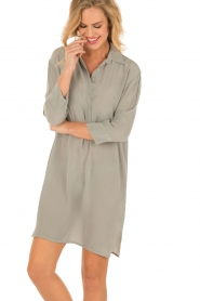 Aaiko |  Silk tunic Carmel | grey  | Picture 2