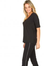 D-ETOILES CASIOPE |  Travelwear v-neck top Vertigo | black  | Picture 5