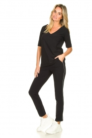 D-ETOILES CASIOPE |  Travelwear v-neck top Vertigo | black  | Picture 3