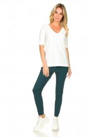 D-ETOILES CASIOPE |  Travelwear v-neck top Vertigo | white  | Picture 3