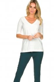 D-ETOILES CASIOPE |  Travelwear v-neck top Vertigo | white  | Picture 2
