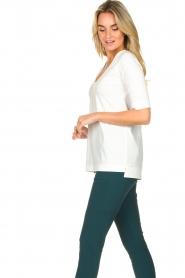 D-ETOILES CASIOPE |  Travelwear v-neck top Vertigo | white  | Picture 6