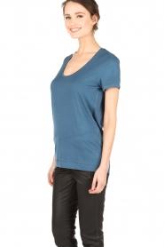 By Malene Birger | T-shirt Fevia | blauw  | Afbeelding 4