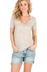 By Malene Birger | Linnen T-shirt Jyttio | grijs  | Afbeelding 2