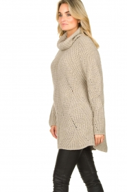 Be Pure |  Oversized turtleneck sweater Lola | beige  | Picture 4