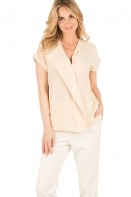 By Malene Birger | Asymmetrische top Tobson | naturel  | Afbeelding 2