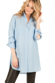 By Malene Birger | Lange blouse Hanafrida | blauw  | Afbeelding 2