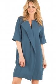 By Malene Birger | Asymmetrische jurk Hobbis | blauw | Afbeelding 4