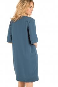 By Malene Birger | Asymmetrische jurk Hobbis | blauw | Afbeelding 5