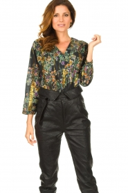 Louizon |  Flower printed blouse Franz | black  | Picture 2