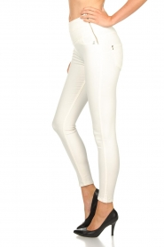 Patrizia Pepe |  High waist jeans Norelle | white  | Picture 4