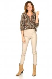 Louizon |  Printed blouse Joel | beige  | Picture 3