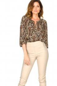 Louizon |  Printed blouse Joel | beige  | Picture 4