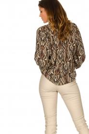 Louizon |  Printed blouse Joel | beige  | Picture 7
