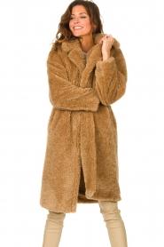 JC Sophie |  Faux fur coat Judy | camel  | Picture 5