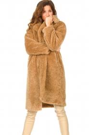 JC Sophie |  Faux fur coat Judy | camel  | Picture 2