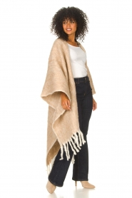 JC Sophie |  Knitted poncho Jaelle | camel  | Picture 4