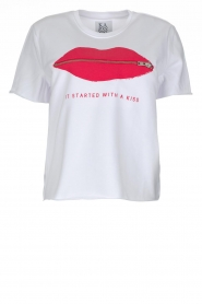 Zoe Karssen | T-Shirt It Started With a Kiss | wit  | Afbeelding 1