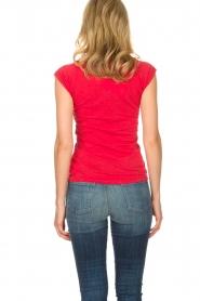 Zoe Karssen | T-shirt Lost boys 1974 | rood  | Afbeelding 6