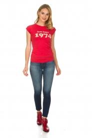 Zoe Karssen | T-shirt Lost boys 1974 | rood  | Afbeelding 3