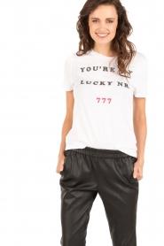 Zoe Karssen | T-shirt Lucky Nr 777 | wit  | Afbeelding 4