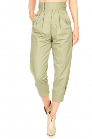 Magali Pascal    Pleated pants Gurka   green    Picture 4