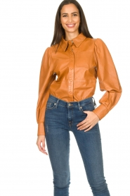 Ibana |  Leather blouse Talia Camel  | Picture 4