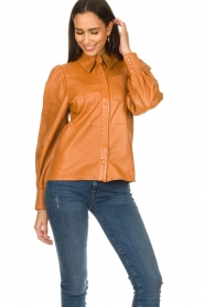 Ibana |  Leather blouse Talia Camel  | Picture 2