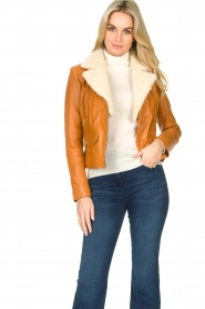 Ibana |  Leather biker jacket with teddy collar Bibi | camel  | Picture 2