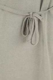 Knit-ted | T-shirt jurk Jael | grijs  | Afbeelding 6
